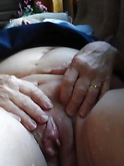 European mature damsel showing her sexy body