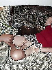 Glamour experienced mistress posing totally undressed on pictures