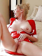 Glamour older momma get ready for sex