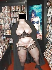 Mature momma posing naked
